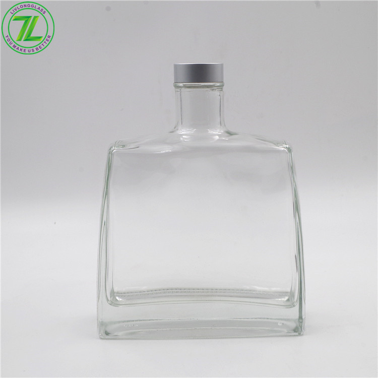Thick Bottom 24oz Glass Bottle Empty Spirits Vodka Liquor Bottle With Cap