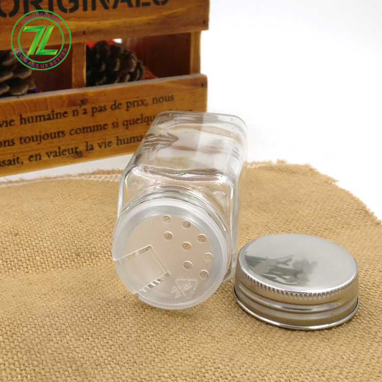 hot sale 120ml square salt bottle 120ml empty glass seasoning spice jar with shaker top