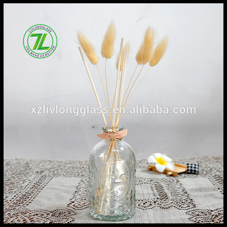 embossed round diffuser glass bottle with stopper