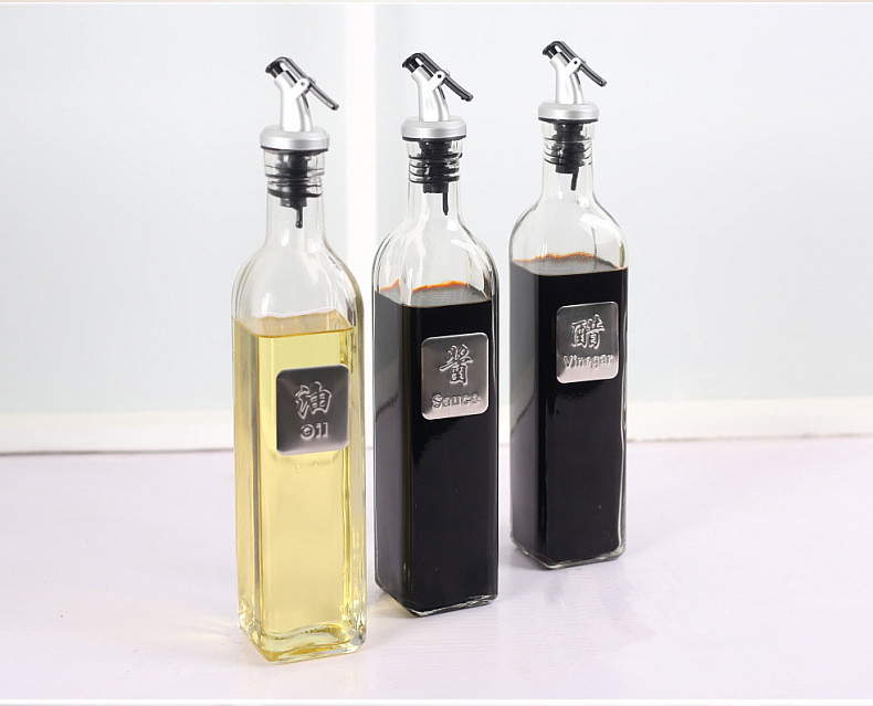 hot sale 250ml 500ml Olive Oil Glass Bottle Dispenser Cruet Pouring Spouts With Plastic bottle mouth