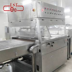 Chocolate caramel enrobing machine