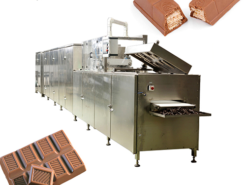 Automatic chain chocolate pouring line