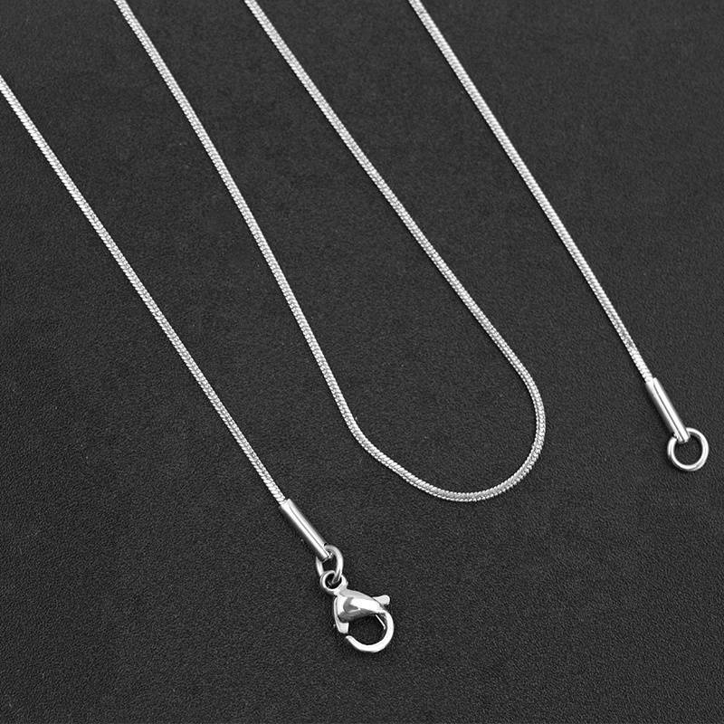 45cm Fashion Women and Men 0.9mm Snake Necklace Chain 316L Stainless Steel Necklace For High Quality Silver Color Jewelry Chain