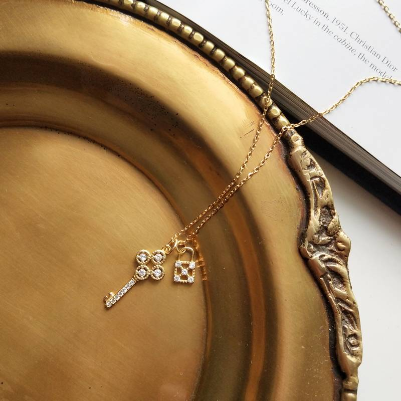 Korea New Design S925 Sterling Silver Simple Fashion Diamond Gold Key Pendant Necklace Jewelry for Women