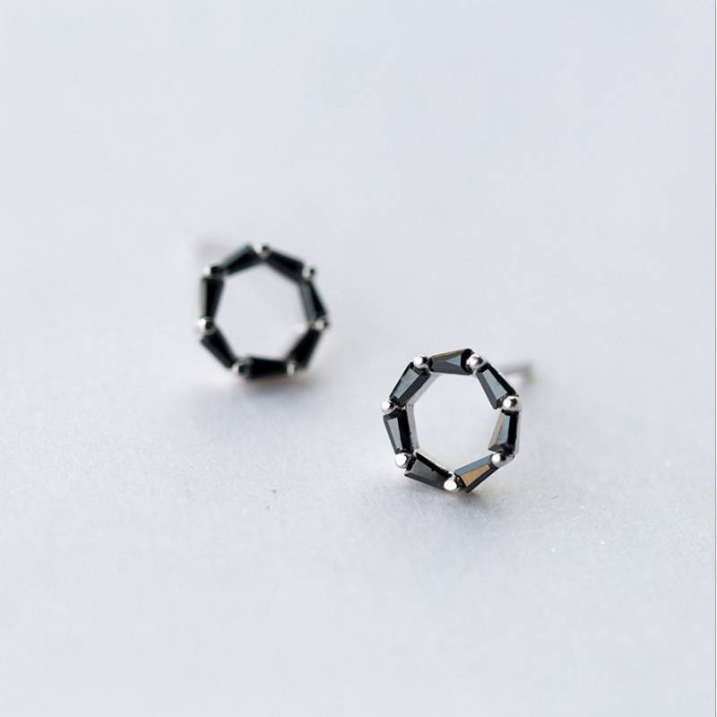 Factory Price 100% 925 Sterling Silver Fashion Concise Black Diamond Circle Stud Earring Fine Jewelry for Female