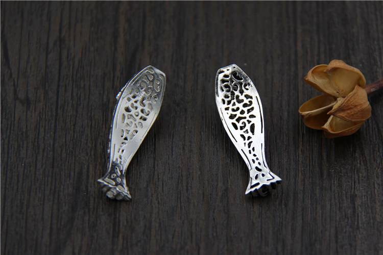 Hot Fine 925 Silver Hollow Plum Carved Fish Bracelet Charms Antique 925 Sterling Silver Charms Bend