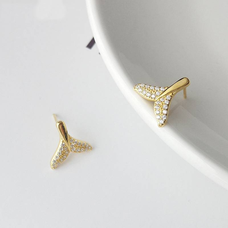 Korea New Style 925 Sterling Silver Earring for Women Simple Fashion Chic Zircon Gold Mermaid Tail Stud Earring Jewelry