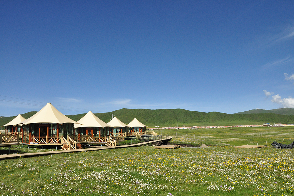PriceList for Lightweight Tents - Eco-friendly Grassland Luxury Hotel Tent – Aixiang