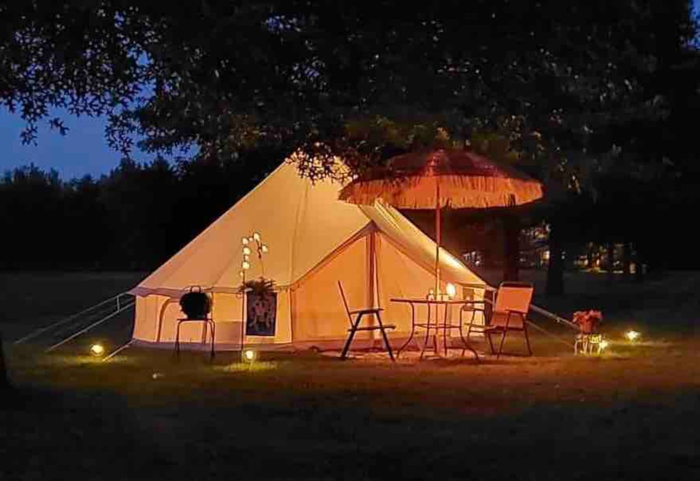 Newly Arrival Tension Membrane - Bell tent 3-6m diameter hot sale glamping house NO.032 – Aixiang