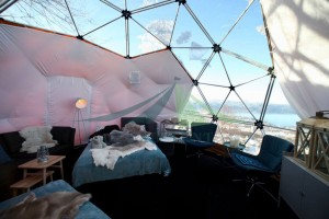 Glamping the 6m diameter dome tent with a view of aurora and wild snow Part.1