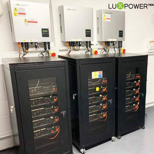 The comparison between lithium batteries and lead-acid batteries