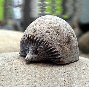 Wholesale cobble stone hedgehog carvings