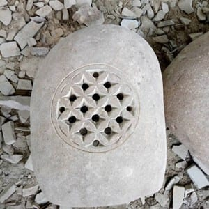 Excellent quality Indoor Fountain - Natural cobble stone lantern wholesale – Magic Stone