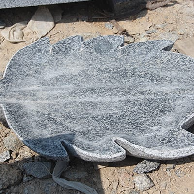 Best Price for Marble Water Fountain - Leave shape granite stone birdbath for garden decor – Magic Stone detail pictures