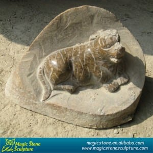 Well-designed Lion Head Marble Fountain - Cobble stone dog statue – Magic Stone