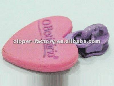High Quality eco friendly plastic special heart shape reversible luggage zipper slider
