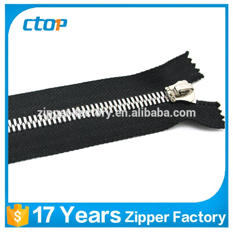 guangzhou factory wholesale metal teeth zipper roll metal zipper for bag