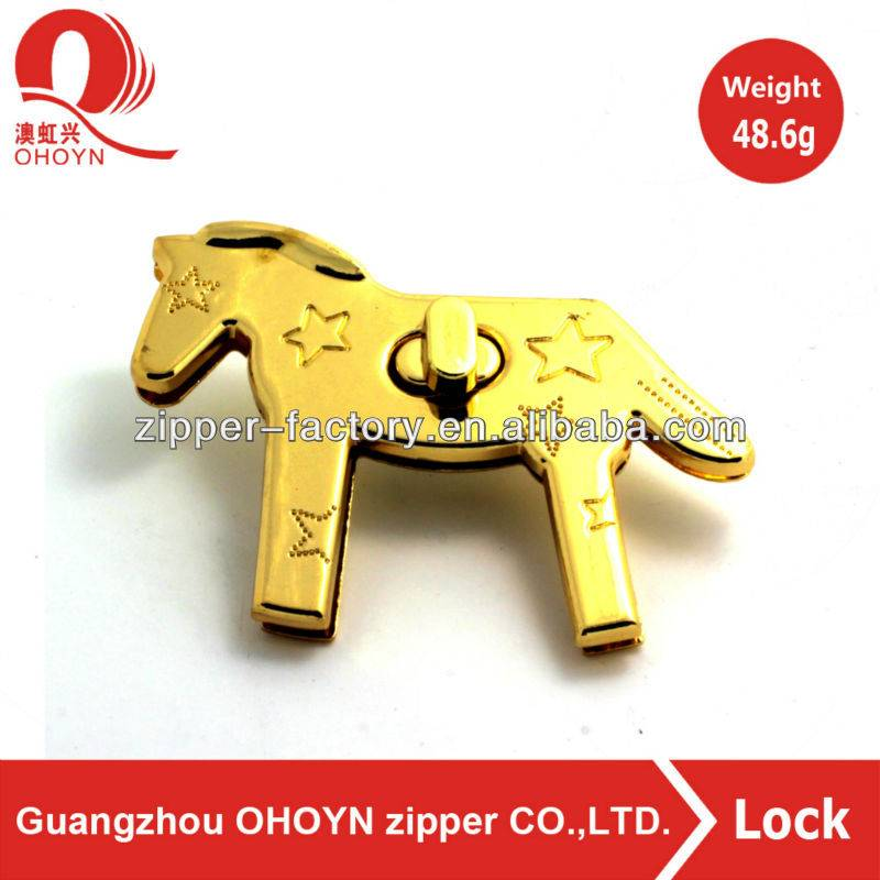 high quality low price custom horse shape bag closures twist locks handbag locks