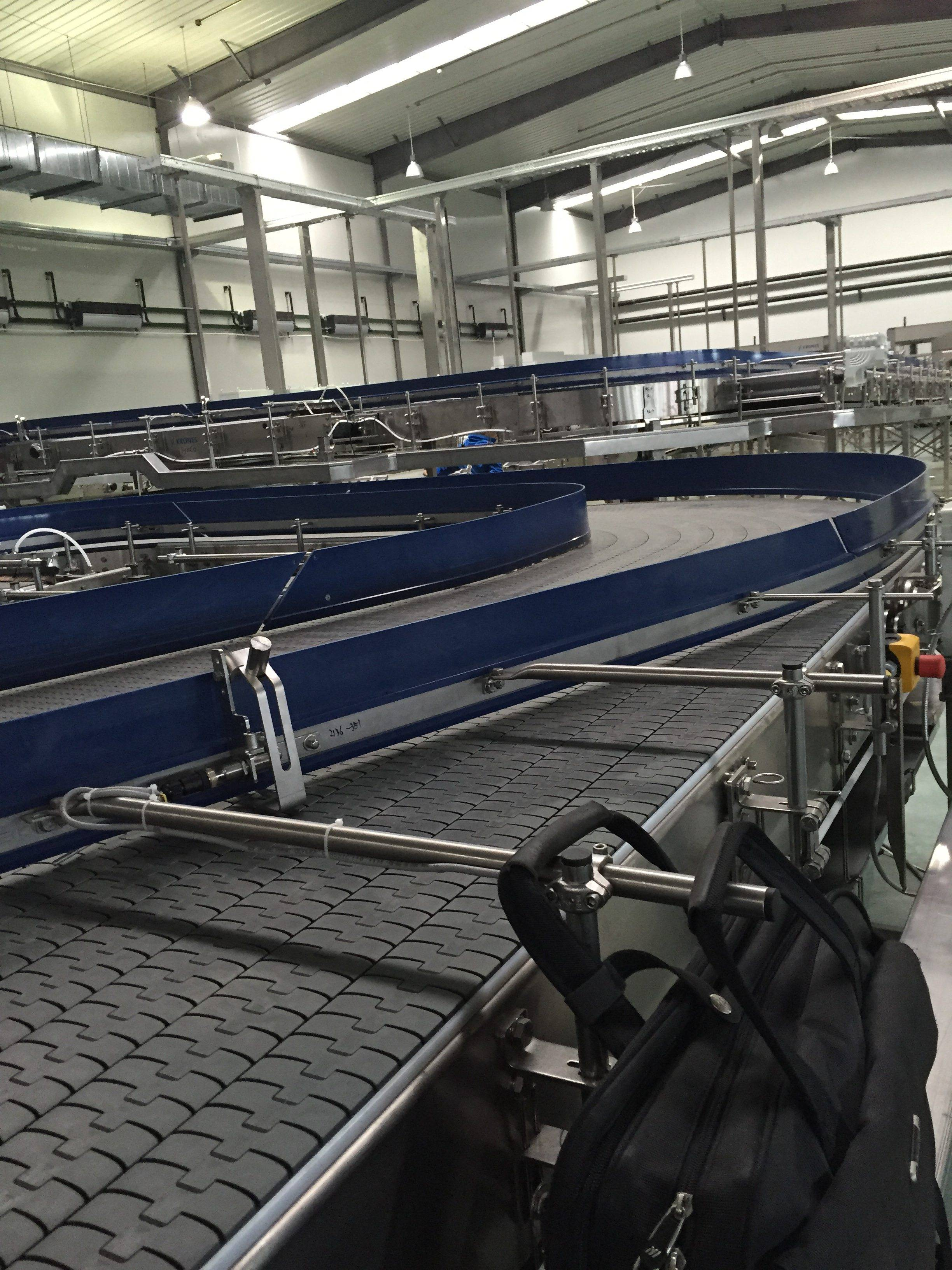 Hairise Slat Top Chain Conveyor Used in Plastic Bottles Featured Image