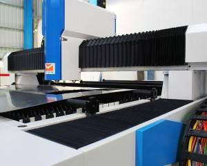 steel fber laser cutting