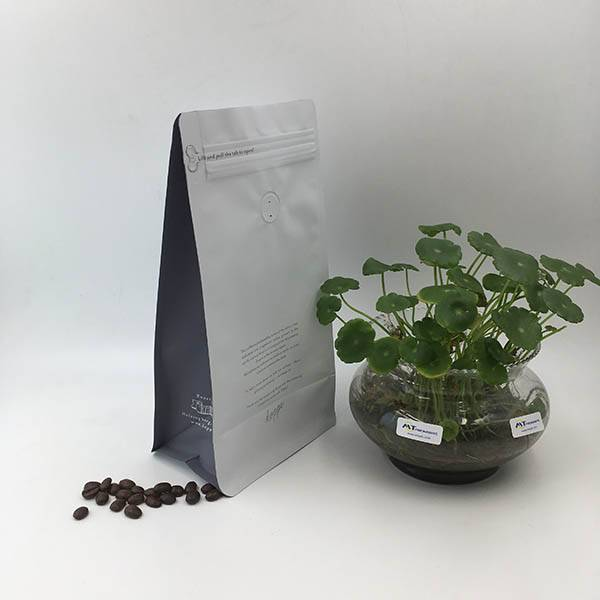 High definition Coffee Ground Bag - Matte White Flat Bottom Pouch with Rip Zipper and Valve – MTPAK Featured Image