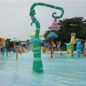 Renewable Design for Water Play Equipment Follwer-shaped Waterfall for Pool to Naples Importers