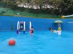new built water spray pool kids splash pool