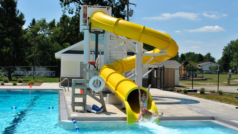 China manufacturer fiberglass water slide tubes for sale Featured Image