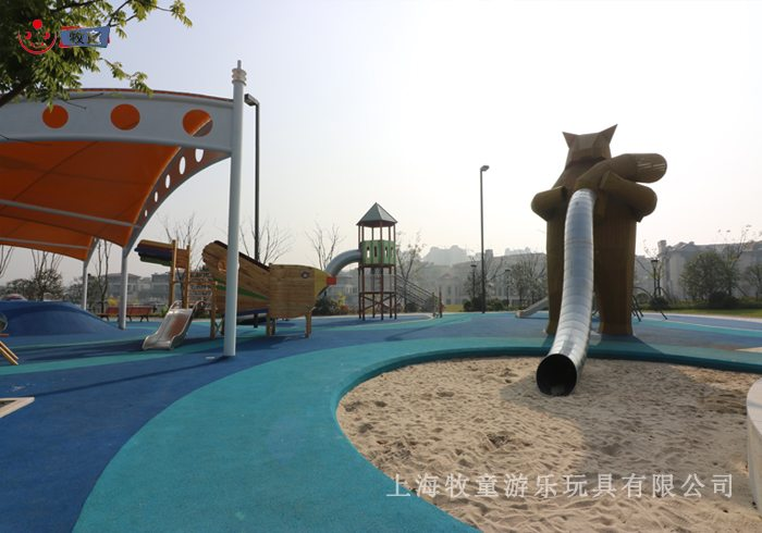 Outdoor Amusement Equipment