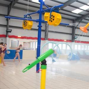 kid's aquatic playground indoor waterpark features