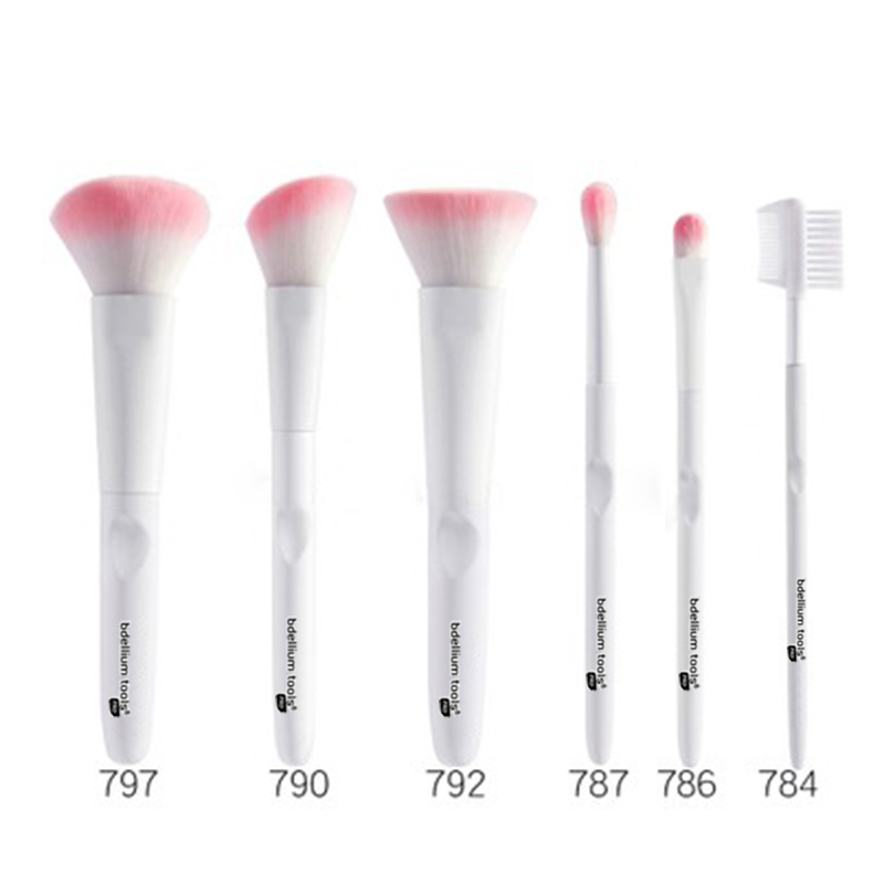 Hot-selling Plastic Bronzer Powder Brush -