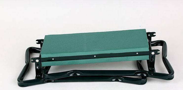 Foldable-garden-kneeler-with-tool-bag (1)