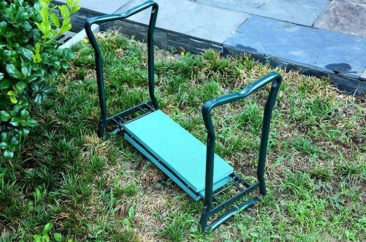 Foldable-garden-kneeler-with-tool-bag (2)