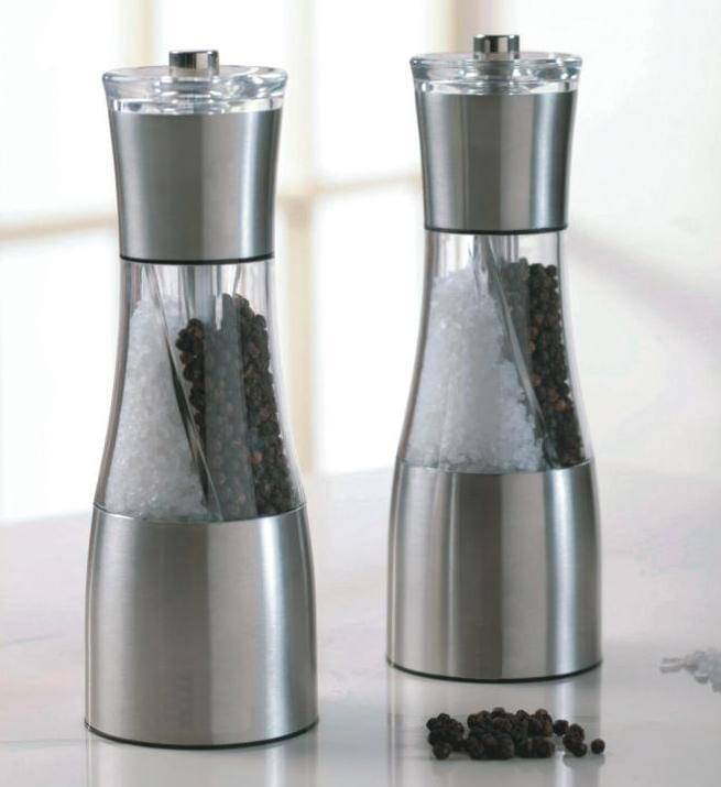 Dual purpose grinder & Pepper Mill & manual salt  and pepper shakers