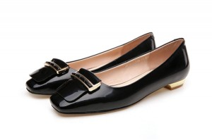 Women Black Patent Leather Low-Heel Dress Shoes