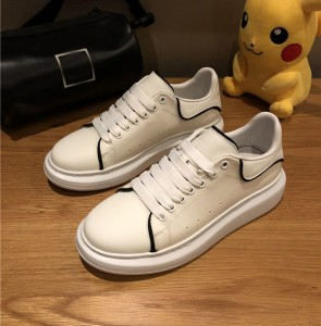New Arrival White Cowhide Sneakers Women And Men