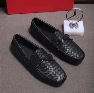 Custom Made Italian Woven Sheepskin Loafers Men Flat Shoes Supplier