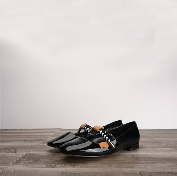 Women Black Patent Leather Shoes Flats Featured Image