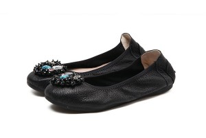 Latest Girls Black Cowhide Foldable Footwear Su...