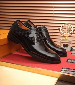 Suprior Quality Black Patent Leather Designer S...
