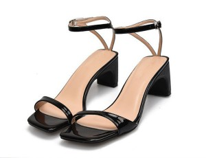 Black Leather Low Heel Ankle Strap Designer Sandals Suppliers