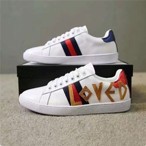 Wholesale High Quality Leather Cheap Sneaker With LOVE Letter Embroidery