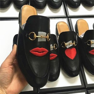Famous Embroidery Red Lips Lovers Loafers Big Yard Size Shoes Black Outdoor Half-Slipper