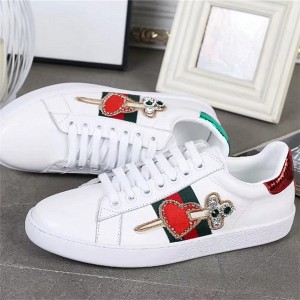 White Cowhide Lace Up Casual Sneakers With Arrow Heart