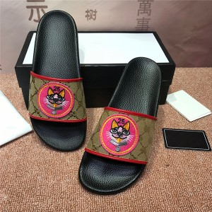 OEM Made Embroidery Slippers Men Style Slippers...