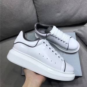 Popular Sneaker For Couples With Luminous