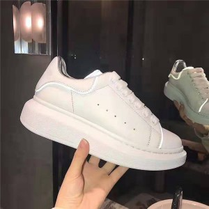 Best Quality White Genuine Leather LED Men Casual Shoes Fashion Sneakers Factory