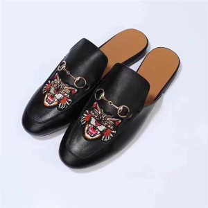 OEM Designer Shoes Half Slippers Loafers With Cat Embroidery  35 To 46