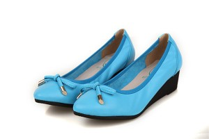 Best Selling Blue Cow Leather Shoes Pointed Fashion Middle-Heel Wedges Shoes With Strap Bow