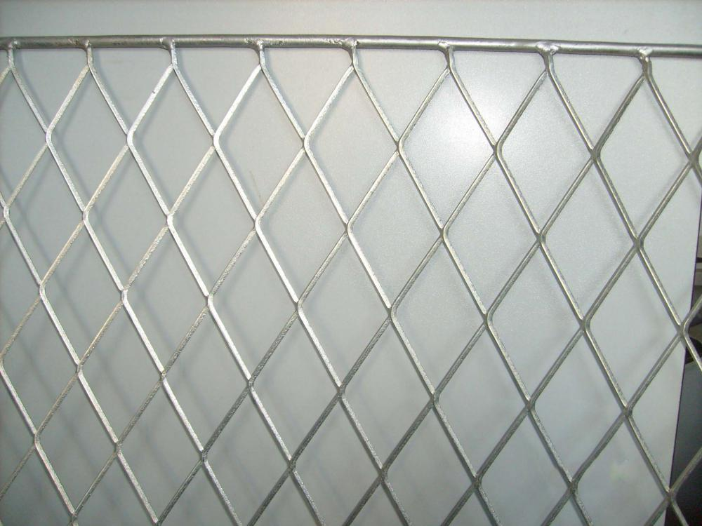 Metal building aluminum porous network